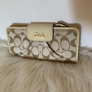Coach Ashley Ivory Patent Leather Wallet